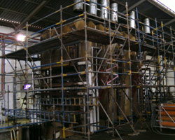 Siempelkamp Press Weight 520 tons: Scaffolding and Gold Crew foam preparation re Thermic lance.